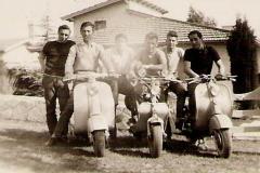 Grupo de amigos en Siambretta