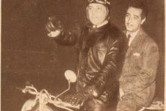 Julio Sosa en Siambretta